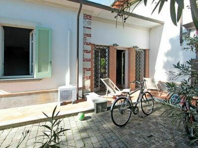 Lorenzo, Villa 4 personnes à Forte dei Marmi