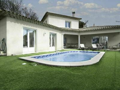 L'Esquirou (DRA110), Maison 6 personnes à Draguignan
