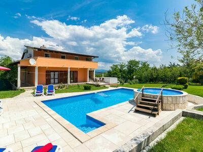 Nevenka (MVN201), Maison 10 personnes à Motovun