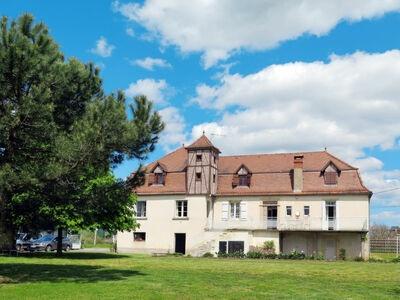 Bernadou (GIA100), Maison 10 personnes à Biars sur Cère