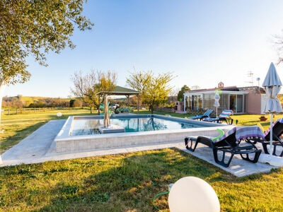 Villa moderne à Lefkogia en Crète avec piscine