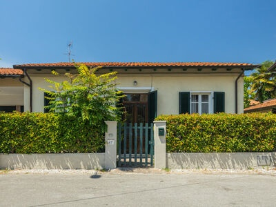 Bresciani, Maison 6 personnes à Marina Pietrasanta