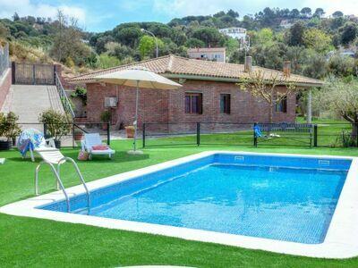 Maison Astral, chaleureuse avec piscine et bassin pour les enfants