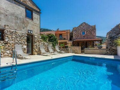 Casa Royal, Gite 12 personnes à Crikvenica
