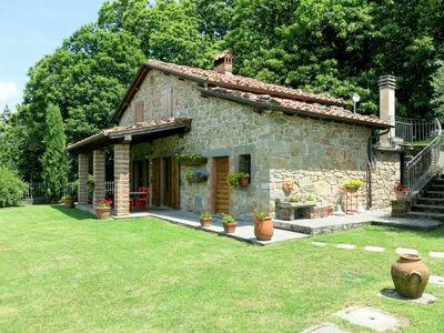 Belvedere (BLU101), Maison 5 personnes à Bagni di Lucca