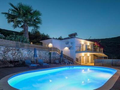 Maison de vacances élite à Greasque, France, avec piscine