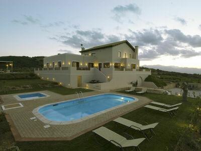 Country Luxury Villa, Villa 12 personnes à Archanes