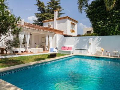 Maison Adelfas, ensoleillée avec salon de jardin sur le toit