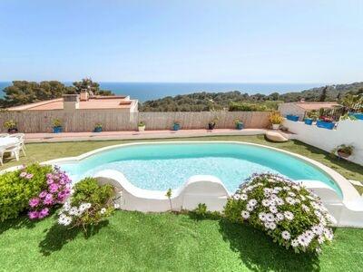 Villa Santorin, maison à l'architecture grecque à deux pas de la plage