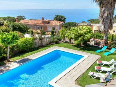 Maison Macedonia, qui séduira tous les amateurs de belle vue sur la mer