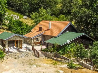 Villa Velebita, Maison 13 personnes à Gračac