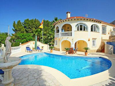Casa Stella, villa avec piscine privée et agréable jardin