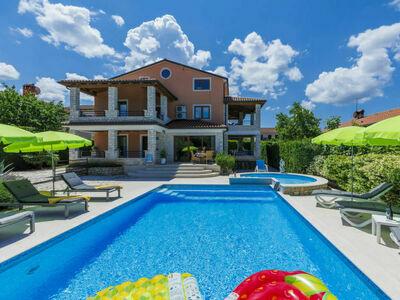 Villa Anamaria, Maison 10 personnes à Buje Plovanija