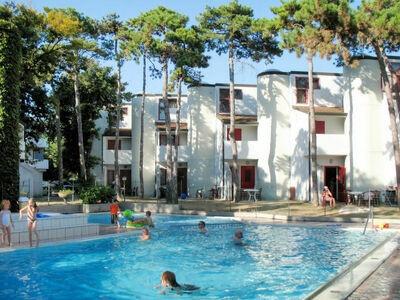Holiday Village (LIG426)