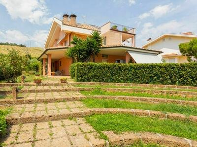 Dei Poeti (PIT300), Maison 8 personnes à Pineto