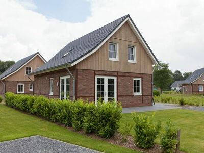 Maison indépendante avec une vue magnifique, balcon et jardin