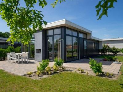 Villa individuelle, cheminée, 4 salles de bain, proche golf