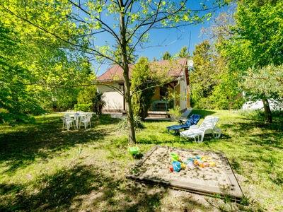 Big garden, Maison 4 personnes à Balatonfenyves
