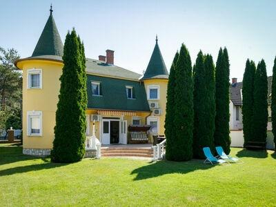 Big Thuja, Villa 11 personnes à Balatonföldvár