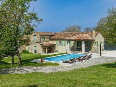 Villa Dobrila, Maison 4 personnes à Pazin