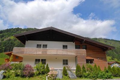 Chalet moderne à Großarl avec sauna