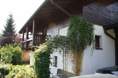 Villa spacieuse près d'un lac à Goldegg