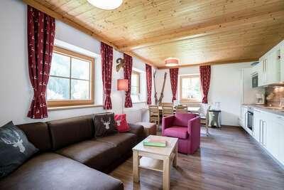Maison de vacances chic avec barbecue à Saalbach-Hinterglemm