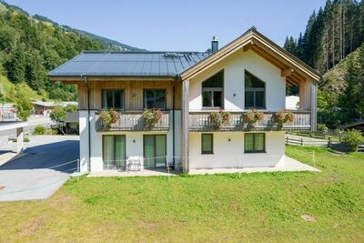 Chalet spacieux avec sauna à Saalbach-Hinterglemm