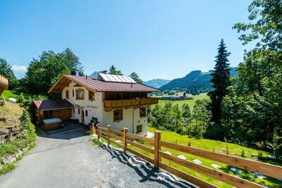 Maison de vacances boutique avec jacuzzi à Kirchberg