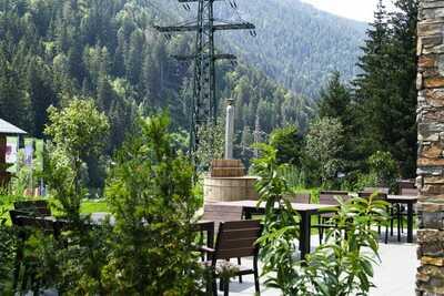 Chalet  haut standing luxueusement aménagé avec hot tub, à proximité du centre.