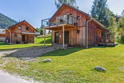 Luxueux chalet moderne avec sauna et une belle terrasse couverte