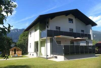 Demeure moderne avec jardin à Kötschach-Mauthen