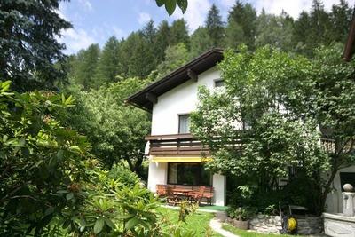 Jolie maison de vacances avec jardin à Rangersdof