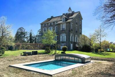 Manoir de luxe avec piscine à Nassogne