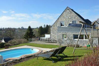 Villa luxueuse à Stavelot avec sauna et piscine extérieure