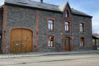 Maison de vacances de luxe dans les Ardennes avec terrasse