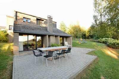 Villa confortable à Vielsalm avec jardin privé