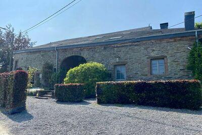 Maison de vacances moderne dans les Ardennes avec terrasse