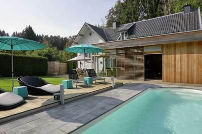 Maison de vacances moderne avec piscine privée à Spa