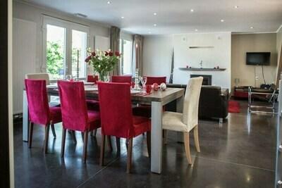 Maison de vacances moderne à Érezée avec jardin