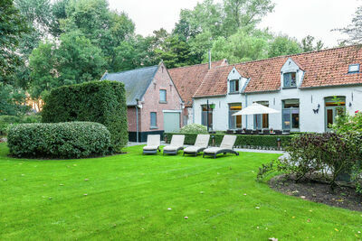 Gîte pittoresque à Bruges avec terrasse