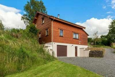 Maison de vacances spacieuse à Vresse-sur-Semois avec jardin