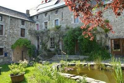 Gîte historique près de Hamoir avec jardin privé