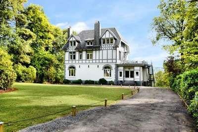 Maison de vacances de luxe à Balmoral avec jacuzzi