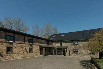 Luxueuse maison de vacances avec piscine privée à Waimes