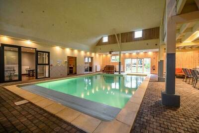 Luxueuse maison de vacances avec sauna à Sourbrodt