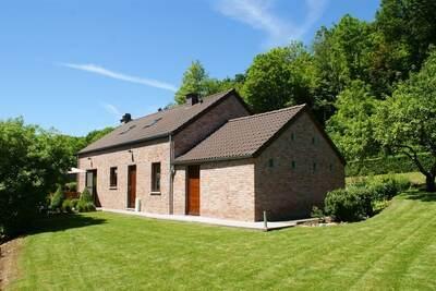 Maison de vacances moderne à Stavelot avec cheminée