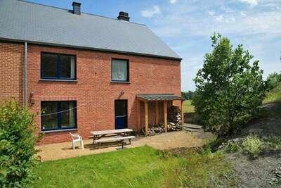 Maison de vacances avec jacuzzi située à Somme-Leuze