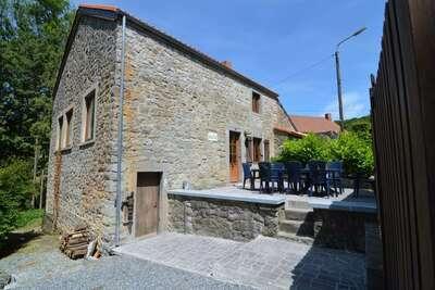 Maison de vacances de charme à Falaën aux pieds des ruines  de Montaigle.