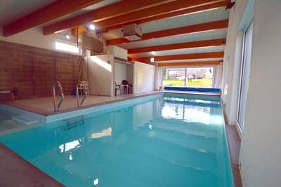 Quaint Cottage avec piscine à Purnode